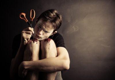 Samookaleczenia wśród dzieci i młodzieży